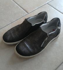 Čevlji št.35
