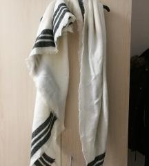 Zara zimski šal