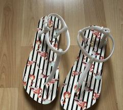 Novi sandalčki