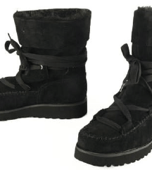 Calvin Klein škornji/ gležnarji mpc 165€