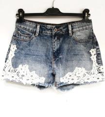 ZNIŽ.Nove lace kratke hlače