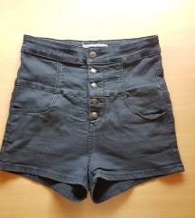 Črne kratke hlače z visokim pasom