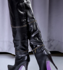 Črni ženski škornji do/čez kolena/gležnarji
