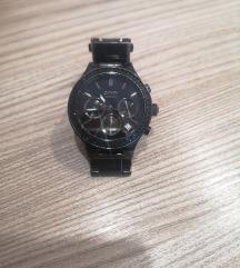 DKNY crna ura s crnimi svetlecimi kamencki