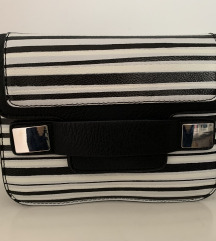 črna manjša torbica