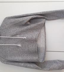 trendy siv crop pulover s kapuco