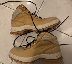 Nike gležnarji