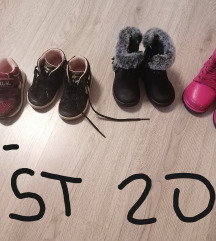Čevlji St 20, 5 eur /kom
