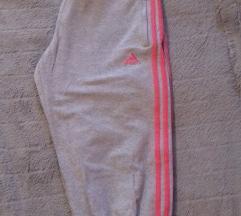 Kapri Adidas hlače
