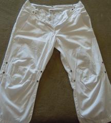 Bele kapri hlače - športne