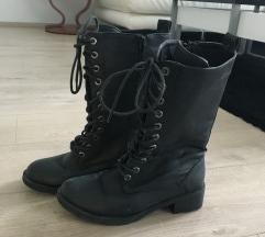 Škornji črni