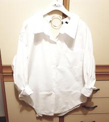 Zara basic oversize bela srajca