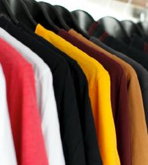 ženska oblačila; za cene se je možno še dogovorit