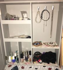 Omarica za nakit ali kozmetiko