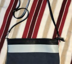 Lepa torbica v modrih odtenkih
