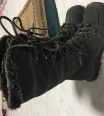 Skechers  zimski škornji št. 41 MPC 169 EUR