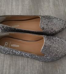 Srebrni sandali 37