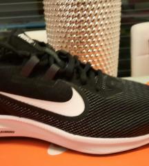 Nove Nike tekaške superge AKCIJA, MPC 89 eur