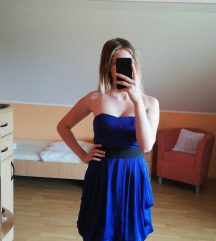Modra svečana obleka