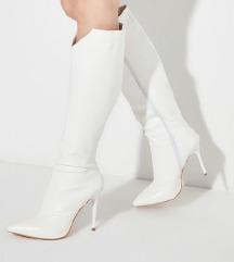 Beli škornji