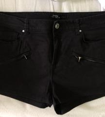 Črne kratke hlače Bershka
