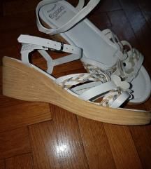 AKCIJA-sandali-novi