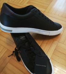 Čevlji Tommy Hilfiger NOVI št. 42 ali 44