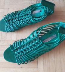 Zeleni sandali s trakci