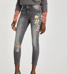 hlače 36 zara flower print