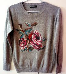 Siv pleten pulover z gobelinom vrtnice SELECT