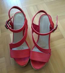 Rdeči sandali s polno peto, 38