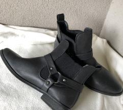Nizki škornji 39