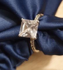 Srebrni prstan-pravo srebro z žigom 925