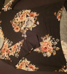 Only črna majica z rožami S