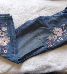 Jeans hlače z vezenino