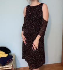 Oblekica z rožnim motivom C&A