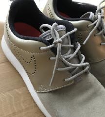 Nike Roshe Premium Suede 37,5