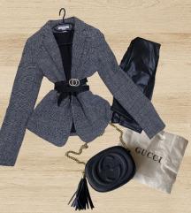 Prodam kombinacijo (nenošenih) oblačil