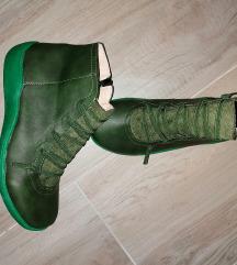 Novi čevlji 39