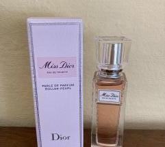 DIOR Miss Dior Roller-Pearl