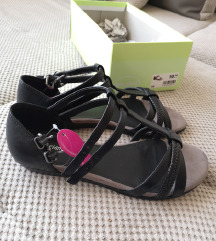 Črni sandali 38