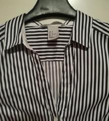 črno bela srajca