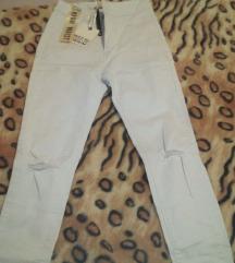 Nove bele jeans