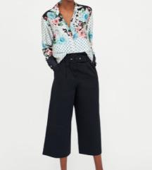 Znižana - Bluza s cvetličnim in pikčastim potiskom