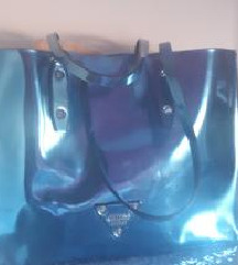 Čudovita kovinsko modra original Guess torba